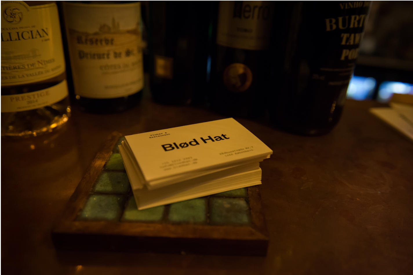 Blød Hat: That place on the corner - Scan Magazine