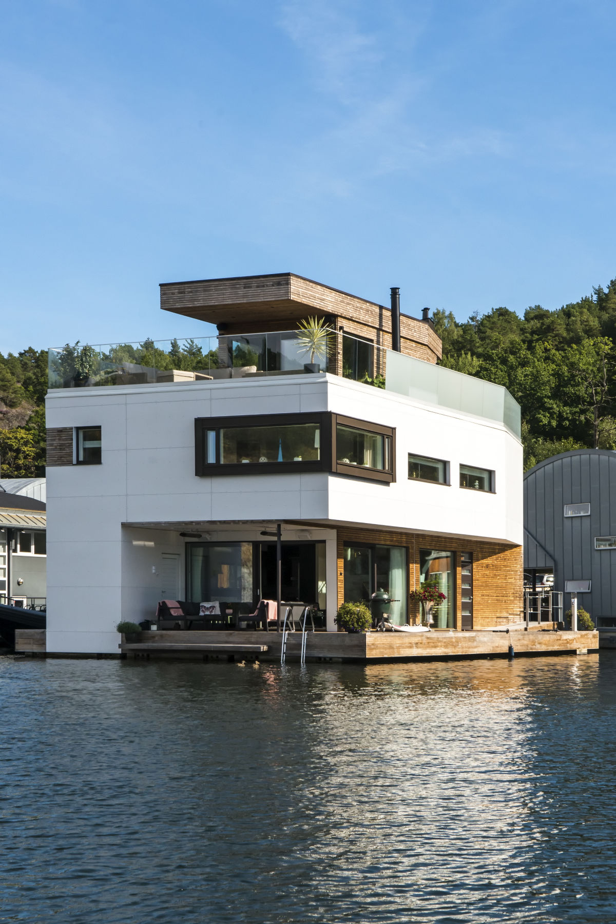 Bluet Floating Solutions