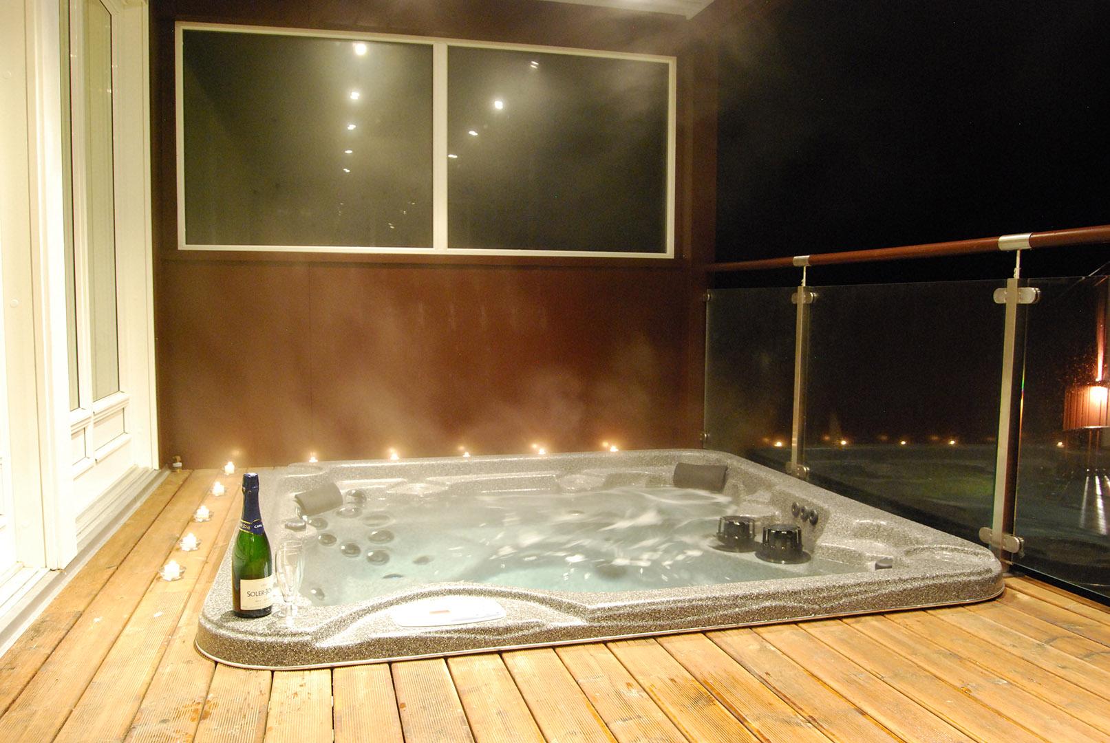 4_NordpaaFjellhotell_11_jacuzzi_NordpaaFjellhotell