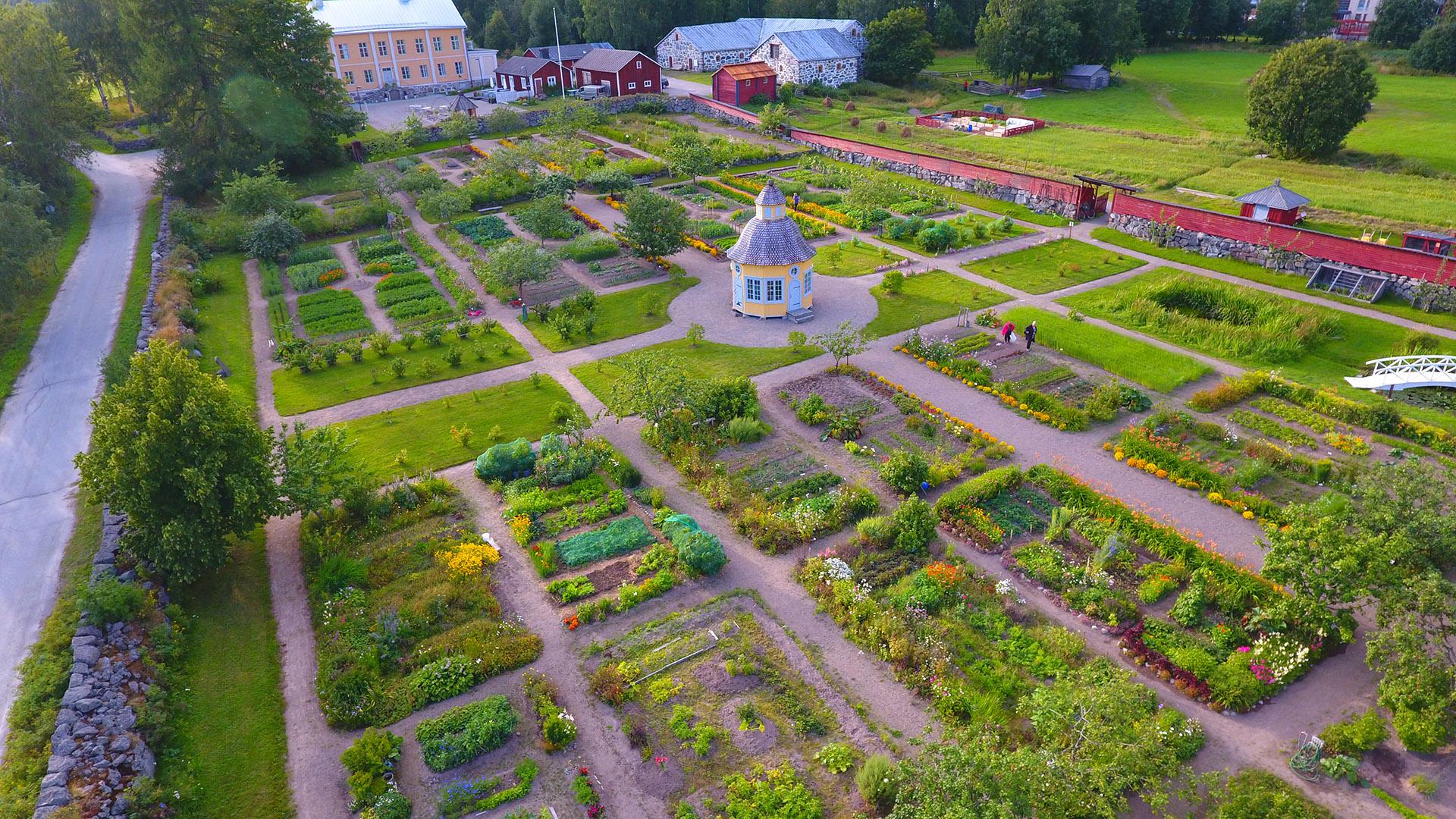 Pietarsaari_5_Rosenlund-garden_Image-source_-Visit-Pietarsaari