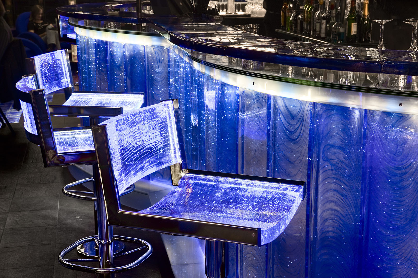 The 3.5-tonne cobalt-blue bar at Kosta Boda Art Hotel.