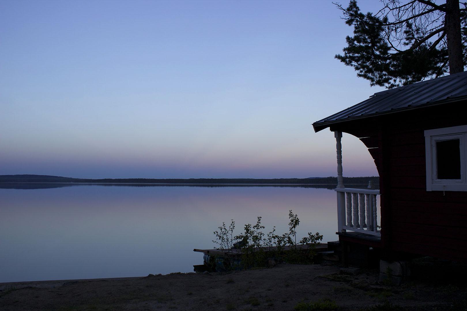 Sandsjögården, Glorious autumn in the Swedish wilderness, cabin and the lake, Scan Magazine