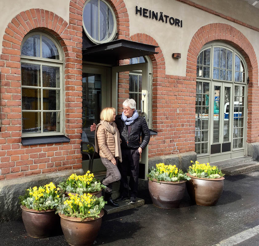 Owners Lauri and Irja Väänänen in front of Restaurant Heinätori. Ravintola Heinätori: Simple, superb food, Scan Magazine